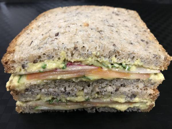 Eiweiß Brot mit Avocado Creme, Stück