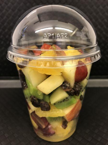 Fruchtbecher 13 mit Orangen, Äpfel, Kiwi grün, Trauben dunkel, Sultaninen und Zimt, ca. 200g Becher